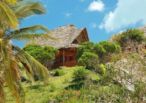 Kichanga_family_bungalow zanzibar accommodations deals